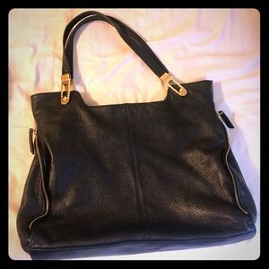 Vince Camuto Black shoulder bag purse